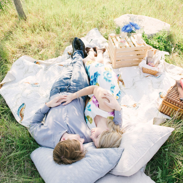 The cutest picnic engagement session
