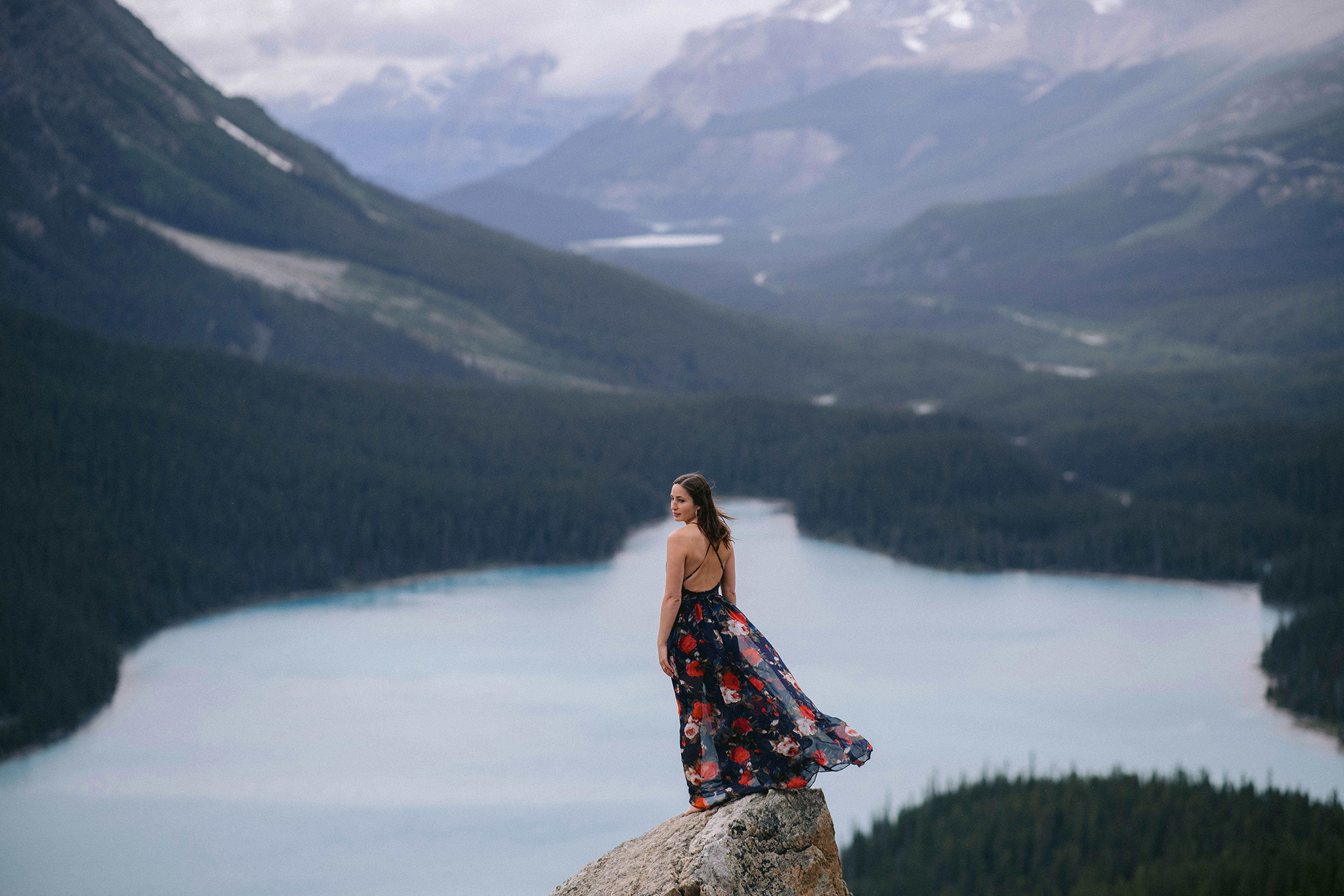 Breathtaking views to Elope at Peyto lake